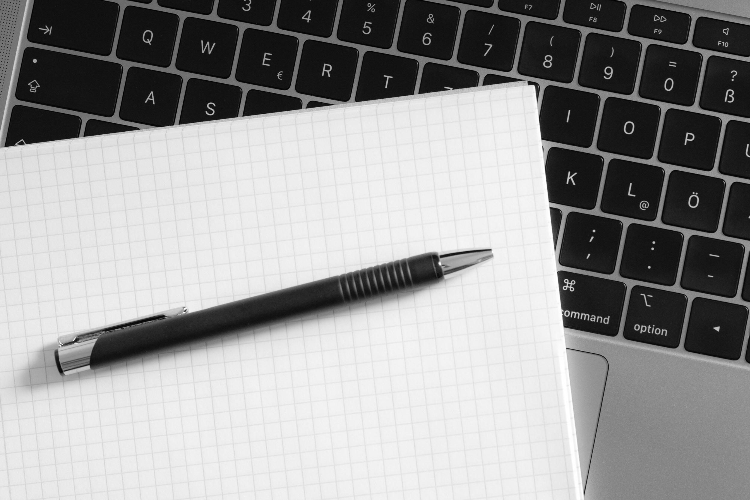 Konzepterstellung auf Papier oder Laptop